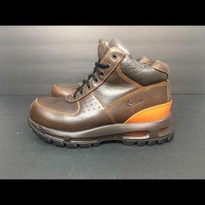 Nike Air Max Goadome Brown Boots Sz 6 Youth
